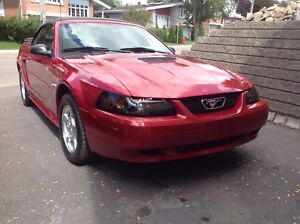 Ford mustang convertible red
