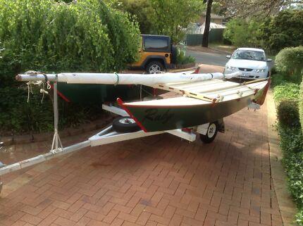 Catamaran  4.3m ply epoxy Wharram design and trailer