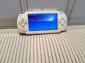 SONY PSP 1002 CONSOLE AND CHARGER Shellharbour Shellharbour Area Preview