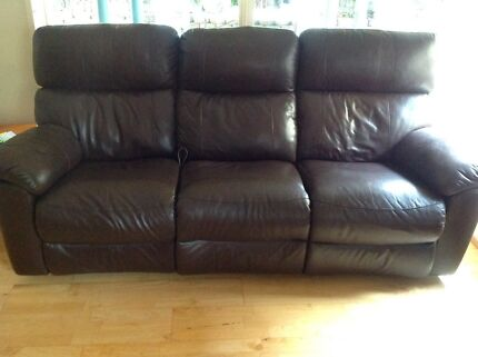 urgent sale luxury leather recliner sofa set sofas gumtree