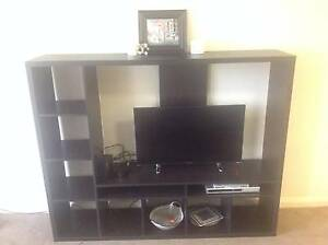 ENTERTAINMENT UNIT + MATCHING COFFEE TABLE + 32inch TV Ryde Area Preview