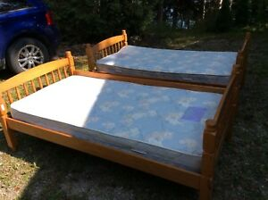 Twin Beds / Bunk beds