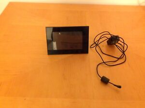 "Sony digital picture Frame size 5""x7"" with Remote Control"