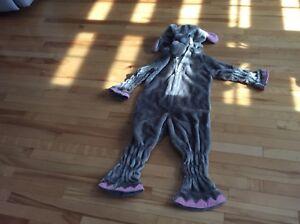 Lot 98 - costume Halloween éléphant ( 5 ans)