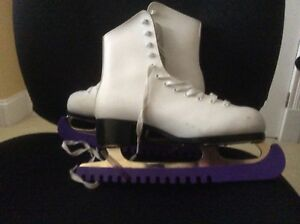 Figure Skates with big pick filed of the bottom Size 8