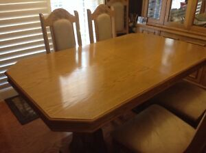 For Sale:   Solid Oak Dining Table