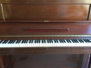 OLD PRATTE PIANO
