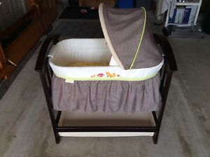Bassinet - BRAND NEW Condition!