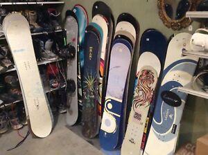 Plus de 400  équipements  en stock.  Ski planche etc