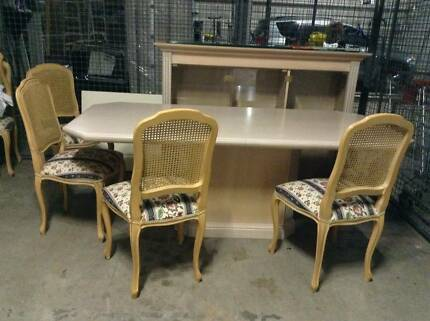 WOODEN DINING TABLE AND CHAIRS - STUNNING UNUSED Mosman Mosman Area Preview
