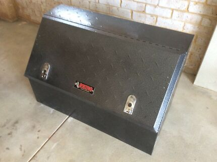 Rhino Highside Checkerplate Tool Box