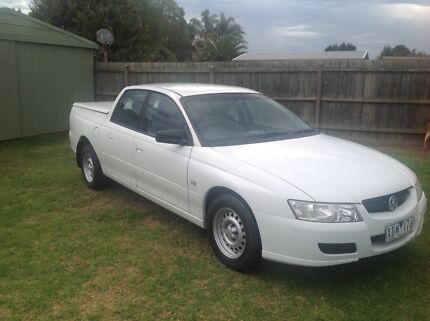 Commodore vz Crewman & vz crewman canopy | Buy New and Used Cars in Melbourne Region VIC ...