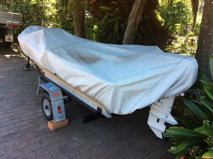 Aluminium boat and trailer