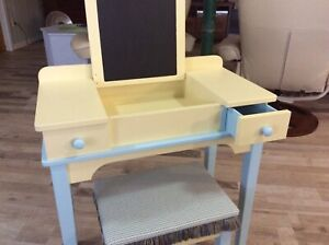 Pretty Painted Craft Table And Stool