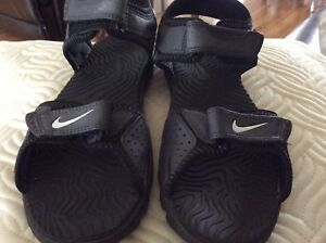 Nike youth 4 sandals