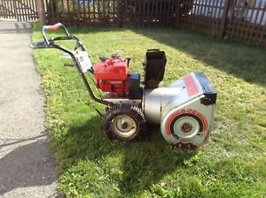 "Craftsman Snowblower! 26 "" cut, 81/2 hp. Works good!"