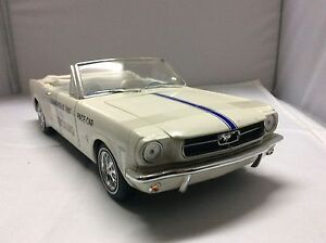 Die Cast 1964 Mustang  1:18 1964 Pace Car Peterborough Peterborough Area image 2