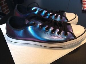 Like new! converse Chuck Taylors purple/blue Women's 8 Men's 6