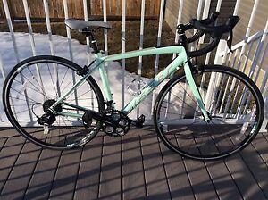 Ladies and men's Felt road bikes REDUCED!