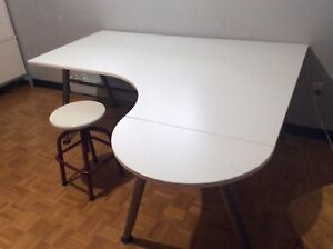 TABLE DE TRAVAIL IKEA