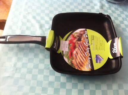 TUFF STEEL HEAVY DUTY 26cm GRILL PAN