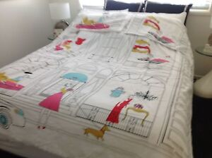AS NEW QUEEN QUILT COVER  SET Banksia Beach Caboolture Area Preview