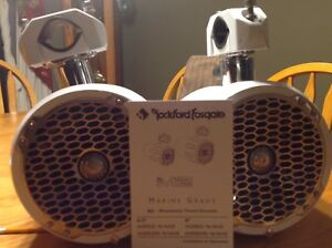 Rockford Fosgate M282 wake Tower speakers