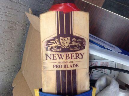 Newbery pro handmade Cricket bat + Slazenger pads Sorrento Joondalup Area Preview