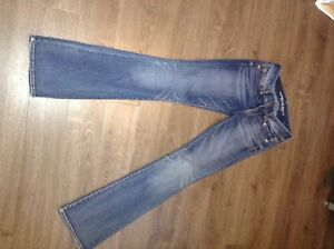 Size 4 American Eagle jeans 3 left