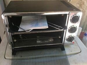 As new DeLonghi benchtop convection oven/ rotisserie Humpty Doo Litchfield Area Preview