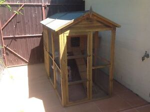 Cat/Chicken enclosure - SOLD PENDING COLLECTION Thornlands Redland Area Preview
