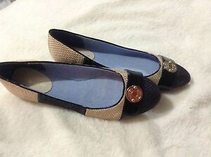 Tommy Hilfiger flat shoes, great for spring, BNWT