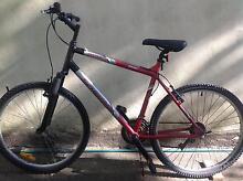 SCHWINN SELECT SERIES ALUMINIUM BICYCLE. PLUS HELMET. Woollahra Eastern Suburbs Preview