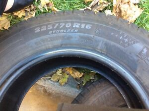Michelin Winter Tires 225/70R16. low mileage & like new