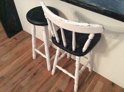 Shabby stools x2