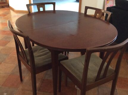Noblett Dining Table Plus 6 Chairs