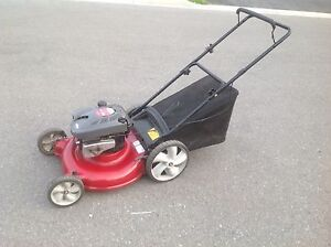 REN'S  mobile lawnmower / lawn mower repair and tune up service