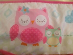 Bordure de bassinette hibou rose