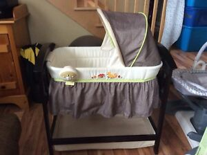Summer Infant Classic Comfort Bassinet