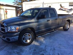 2006 Dodge Ram 2500 Big Horn Edition - 5th wheel special