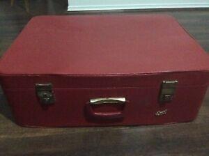 Retro red / suitcase / vintage