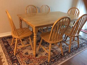 Solid wood Harvest Table with 6 matching chairs