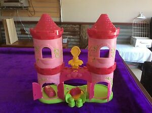 Princess Castle Building Playset Burpengary Caboolture Area Preview
