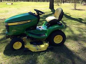 JOHN DEERE-LIGHT COMMERCIAL RIDE ON LAWN MOWER North Rothbury Cessnock Area Preview