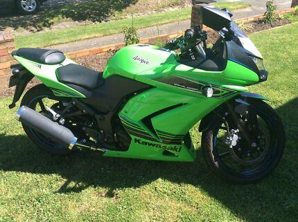 Kawasaki 250 ninja Soldiers Hill Ballarat City Preview