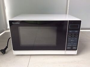 Microwave oven 750W Mount Pleasant Melville Area Preview