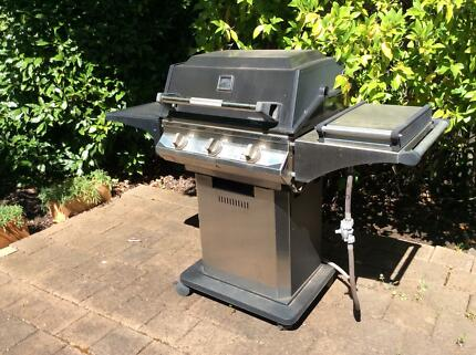 3 burner barbecue with side wok burner