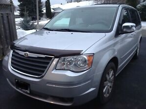 2008 Chrysler Town and country touring edition