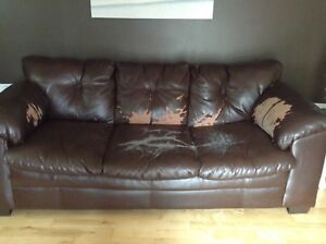 3 YR OLD BONDED LEATHER SOFA COUCH