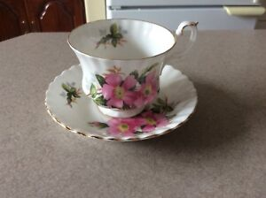 L&M OLD TIME COLLECTABLES ANTIQUE ROYAL ALBERT PIRISE ROSE